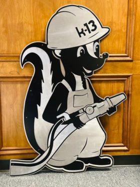 Custom logo sign - Skunk